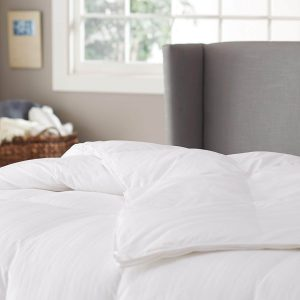 300 thread count white goose down comforter