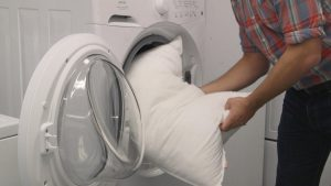 wash pillows in the washing machine
