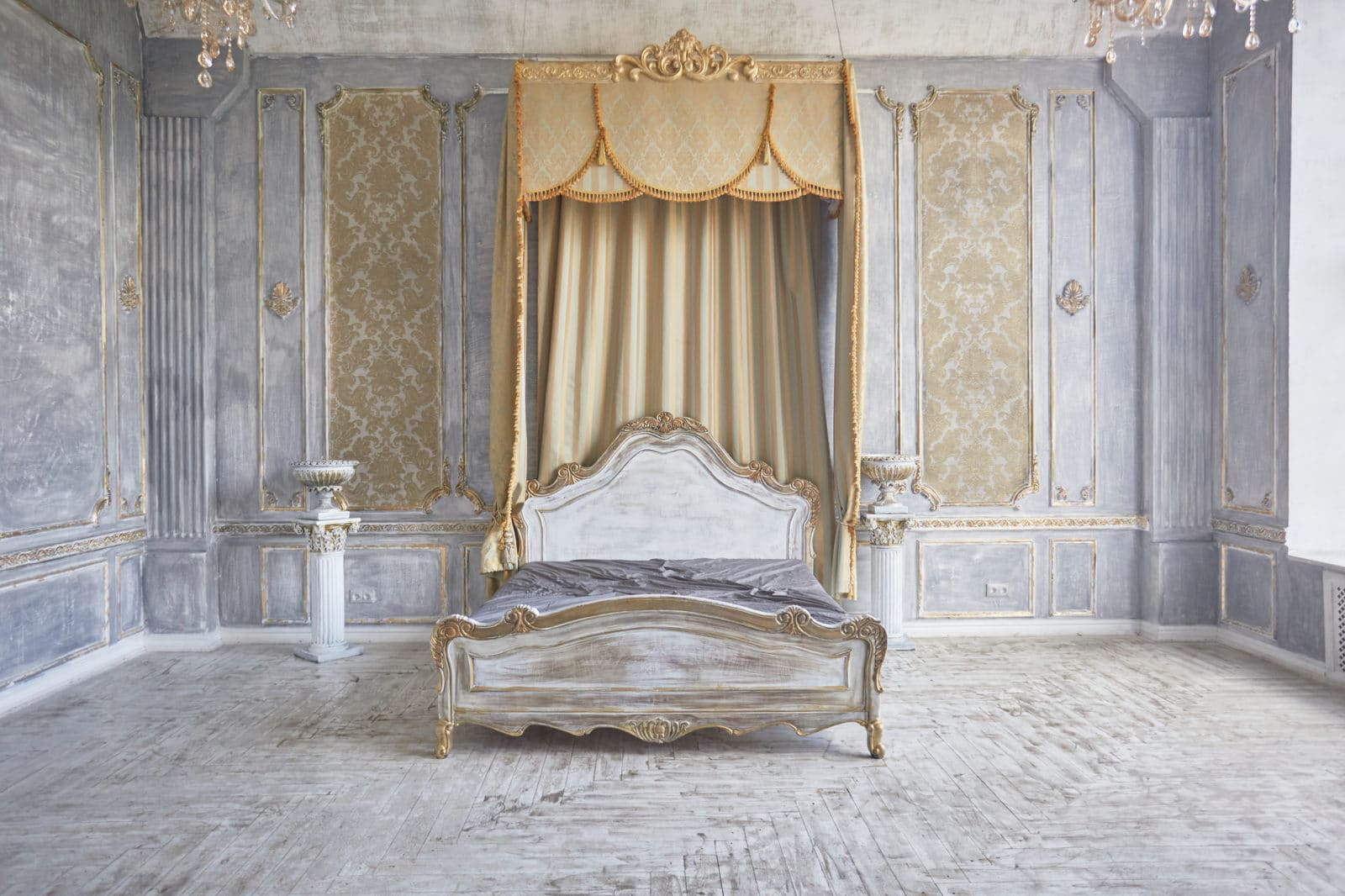 classic style bed