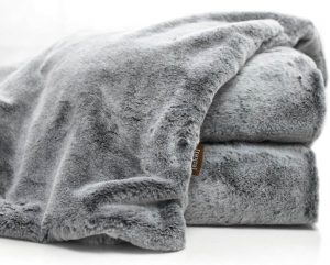 luxury blankets and throws